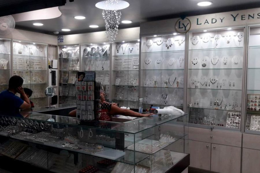 -crearqperu-proyectos-diseño interior-diseño 3d joyeria lady yens-diseño-03